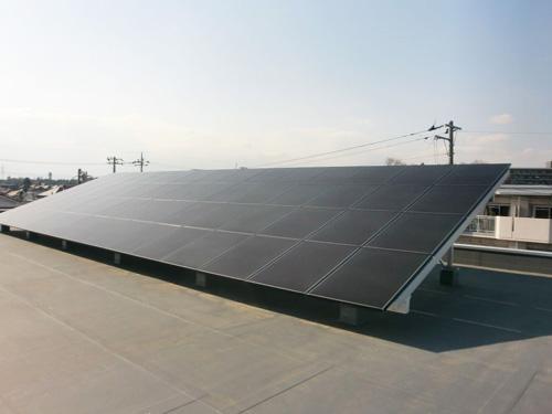 太陽光による発電を行っています